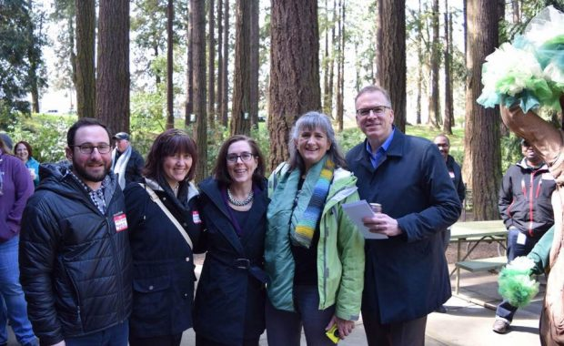 Mary Ann Aschenbrenner with Governor Brown, Commissioner Nick Fish and Friends of Pier Park Board at Pier Park
